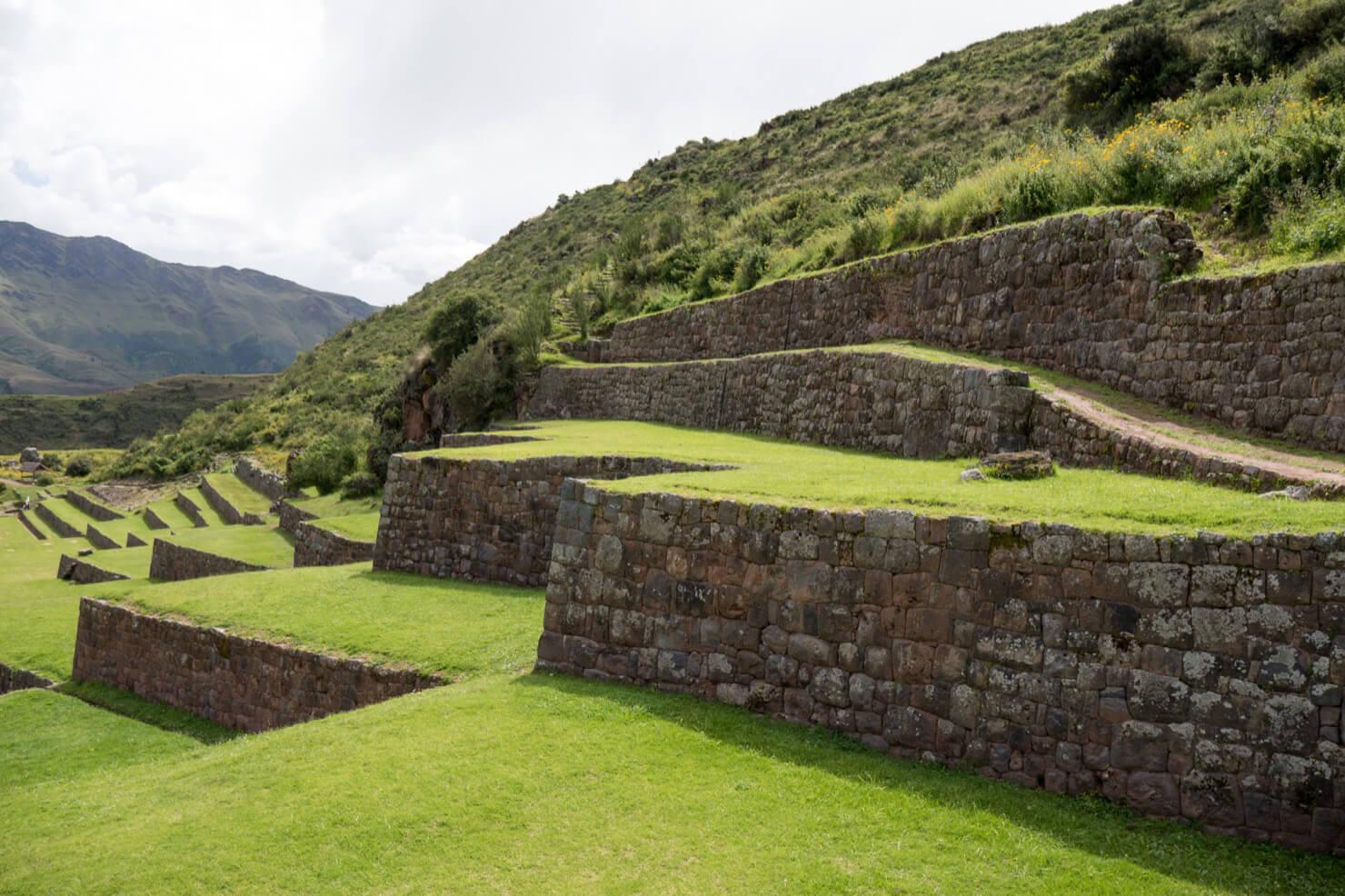 Tipón Terraces
